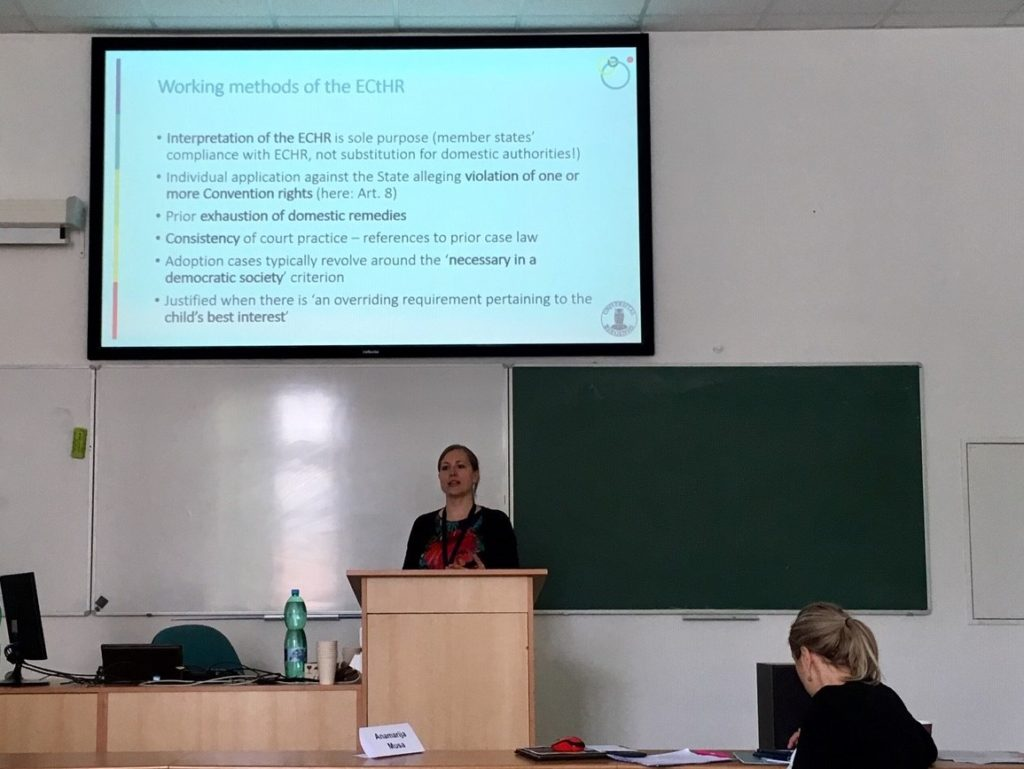 Jenny Krutzinna presenting findings from the Acceptability project at the NISPAcee conference in May 2019.